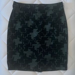 Halogen Black and Gray Patterned Pencil Skirt